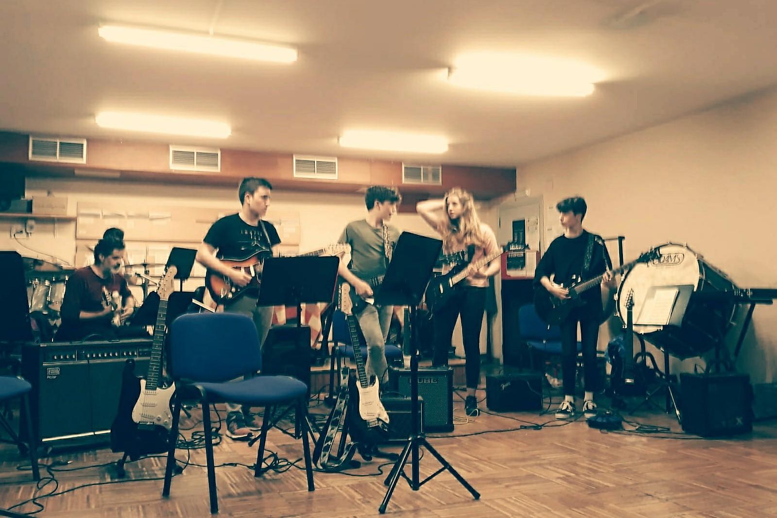 Grupo moderno y jazz Liceo - 1